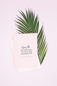Saludo tarjeta tropical