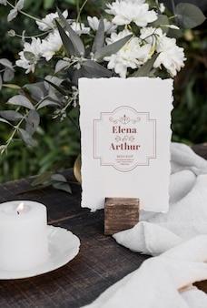 Samenstelling van elegante trouwkaarten