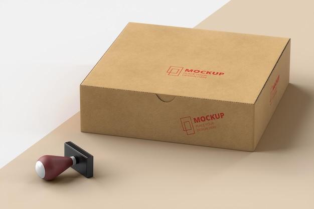 Samenstelling van stempel en doos geëtiketteerd