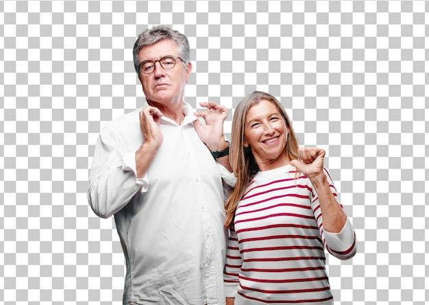 Senior cool marito e moglie con un'espressione orgogliosa, felice e sicura