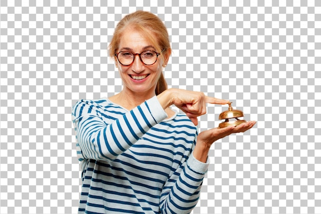 Senior mujer hermosa con un anillo de campana