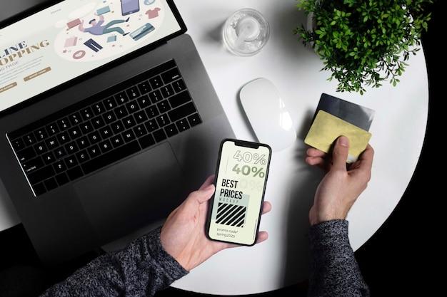Sesión de compras en línea en dispositivos móviles