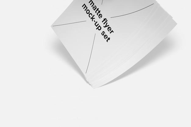 Set de mock up de folletos con sombra