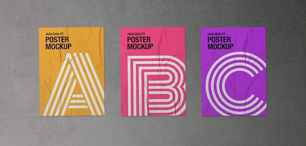 Set van drie verfrommelde posters mockup