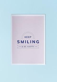 Sigue sonriendo y sé feliz maqueta del cartel.