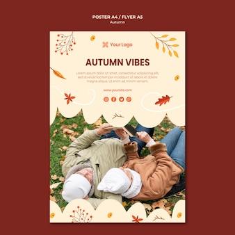 Sjabloon folder voor het verwelkomen van het herfstseizoen