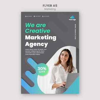 Sjabloon voor digitale marketing flyer