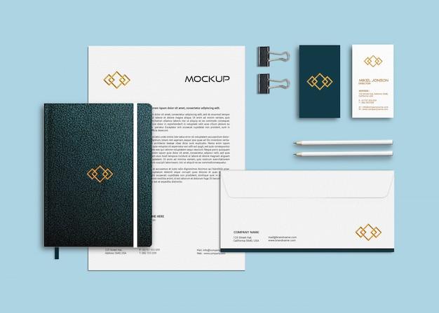 Sjabloon voor visitekaartjes, briefpapier en notebook mockup