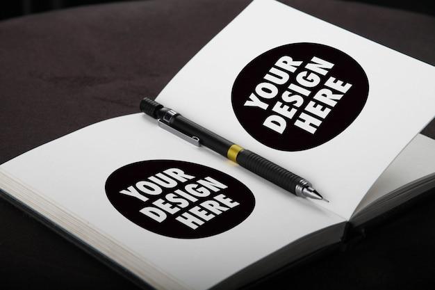 Sketchbook en pencil mockup