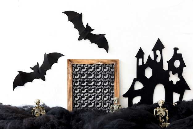 Slate mockup con il concetto di halloween