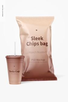 Sleek chips bags mockup met soda cup