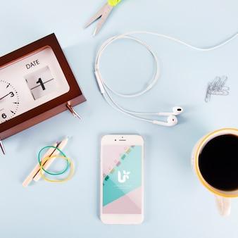 Smartphone-mockup met verschillende elementen