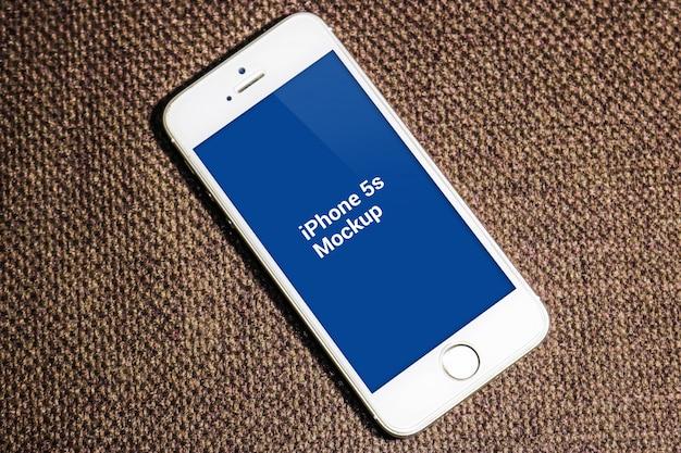 Smartphone con pantalla azul