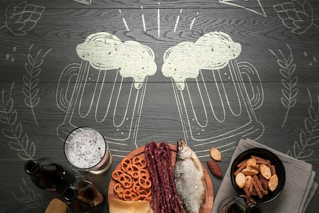 Snack mock-up da mangiare con birra artigianale