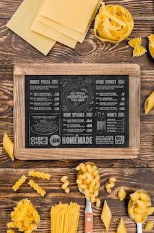 Sopra il menu di visualizzazione e la disposizione della pasta