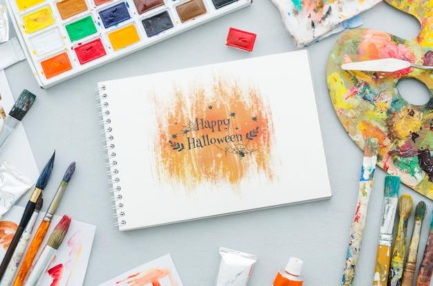 Sorteo artístico de halloween en cuaderno