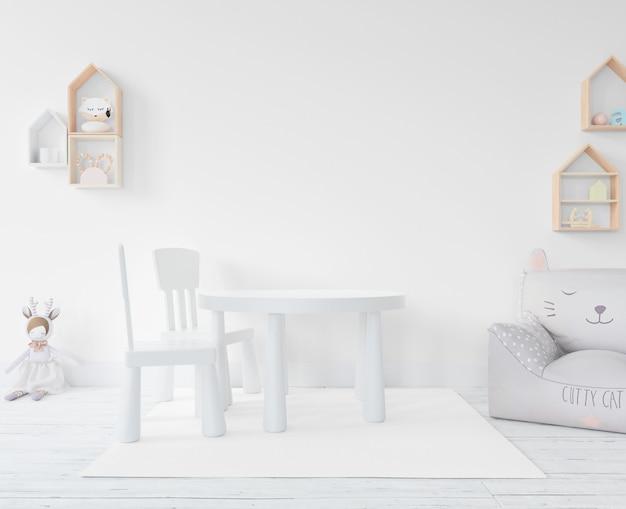 Speelkamer met speelgoed en meubels