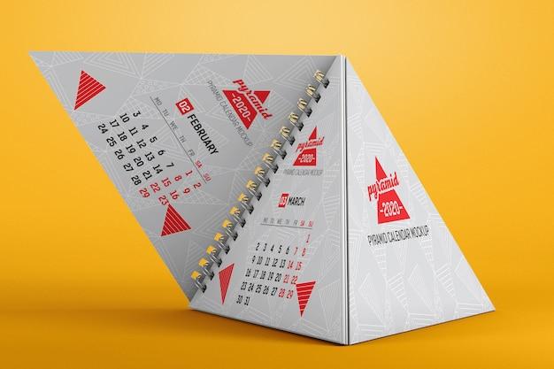 Spiraal piramide bureaukalender mockup
