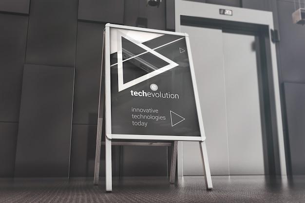 Stand pubblicitario nel mockup della lobby degli uffici