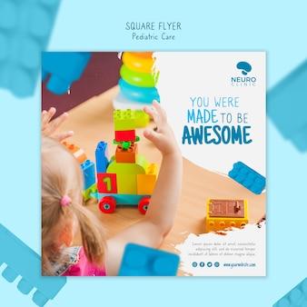 Stile di volantino quadrato concetto di cura pediatrica