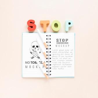 Stop met roken concept met notebook