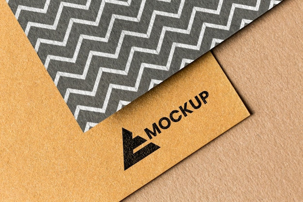 Surtido de maquetas de marca en la tarjeta.