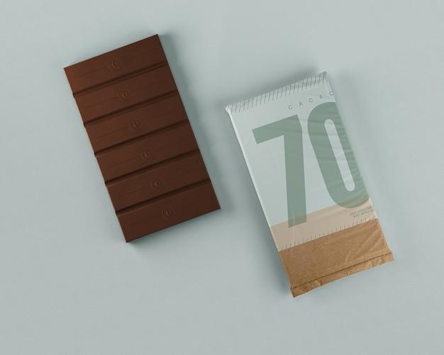 Tableta de chocolate ordenada envoltura de papel
