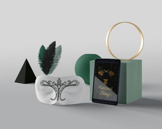 Tableta y máscara para carnaval