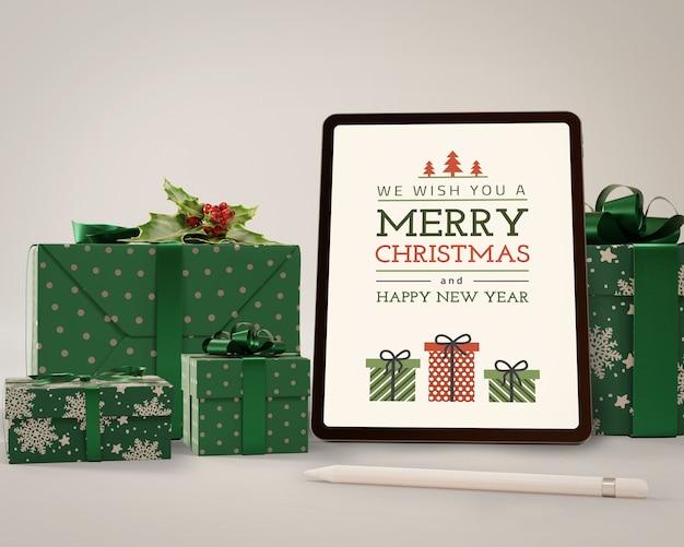 Tableta moderna maqueta con tema para navidad