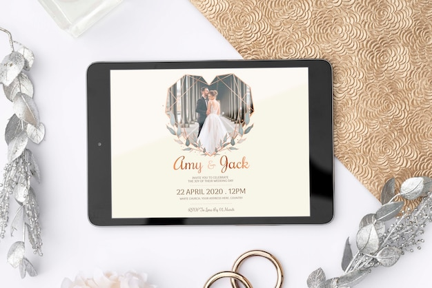 Tableta plana con imagen de boda