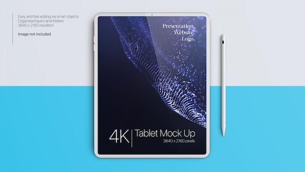 Tableta simulada con bolígrafo