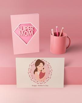 Tarjeta del día de la madre y taza con maqueta