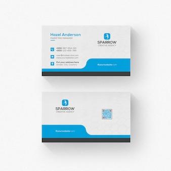 Tarjeta de visita blanca con detalles azules