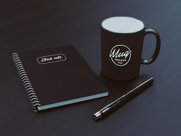 Taza de café con maqueta de cuaderno