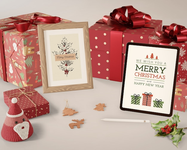 Tema navideño en tableta y pintura