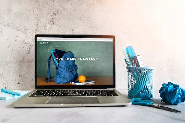Terug naar school items met website mock-up