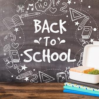 Terug naar school mockup met krijt op blackboard