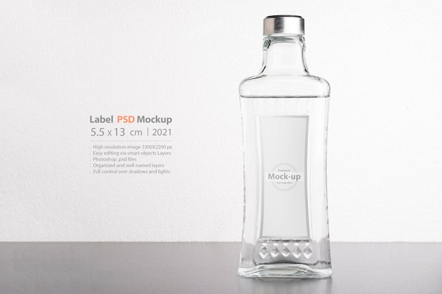 Transparant wijn- of waterflesmodel