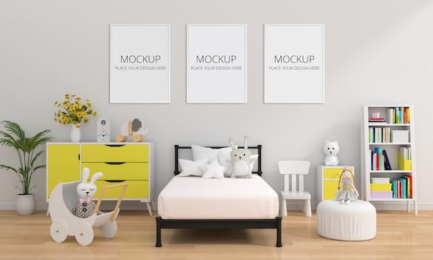 Tres marcos de fotos en blanco para maqueta