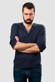 Triste bell'uomo con la barba