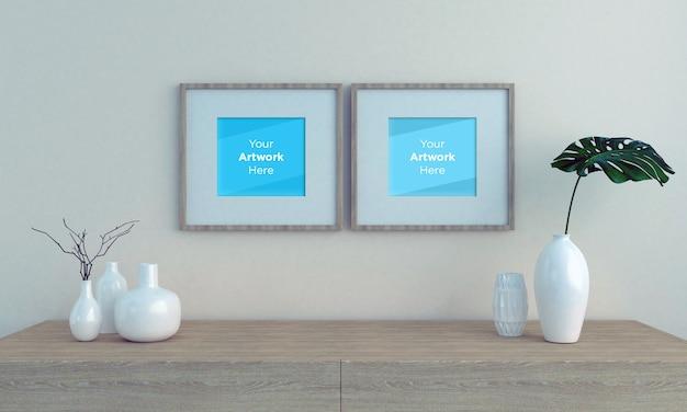 Twee lege fotolijst mockup met houten kast en vazen