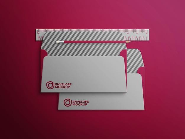 Twee open enveloppen premium psd-mockup