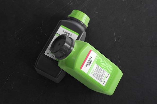 Twee plastic chemische flessen mockup
