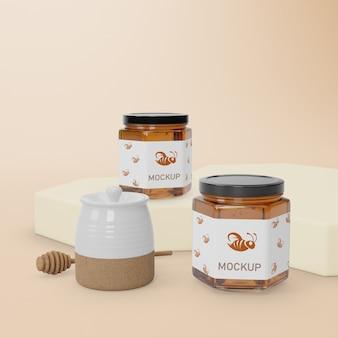 Twee potten met honing