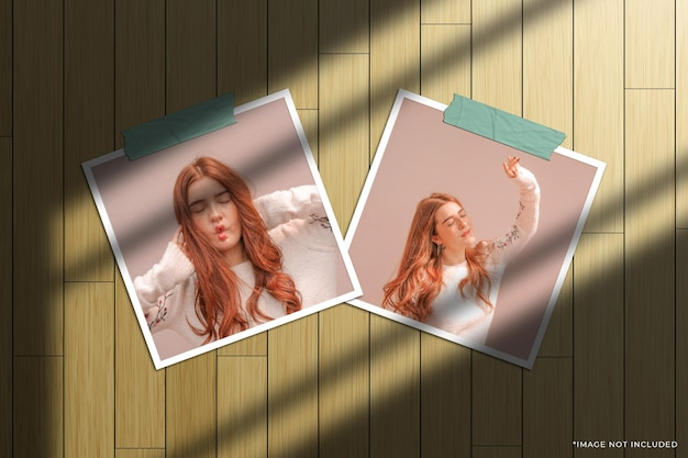 Twin vierkante papieren frame foto mockup met venster schaduw overlay en houten achtergrond