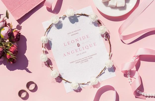 Únase a nosotros para nuestra invitación de boda con anillos de boda.