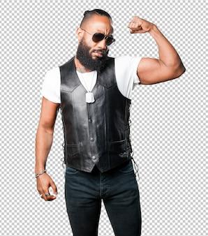 Uomo di colore forte
