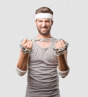 Uomo sportivo con catena
