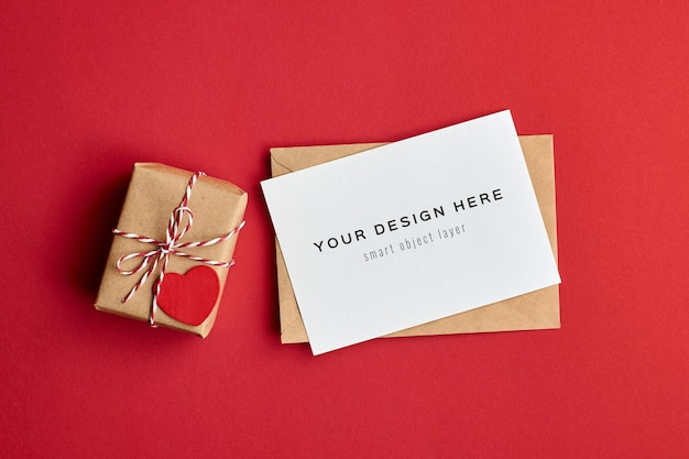 Valentijnsdag kaartmodel met versierde geschenkdoos