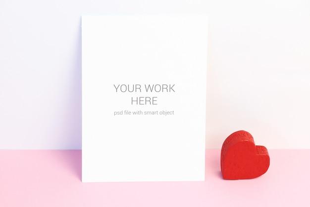 Valentine-kaart met rood hart